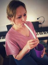 Sängerin mit Bubble Tube