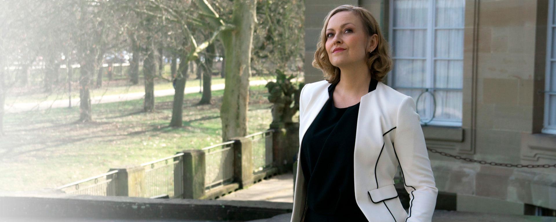 Kunden über Sängerin Melanie Casni Referenzen Meinungen
